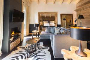 Alpin Deluxe Suite Wohnbereich3