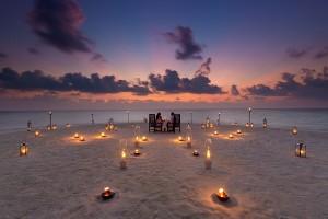 Baros Maldives_Sandbank Dinner