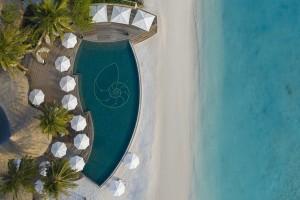 The Nautilus Maldives dining Naiboli pool bar (3)