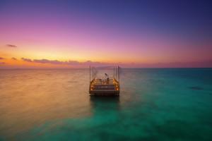 Baros Maldives_Piano Deck Dining
